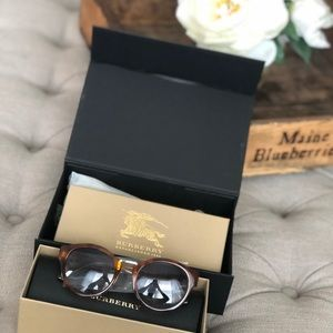 Burberry sunglasses NWT